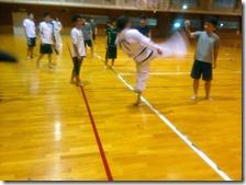 ミット蹴り3